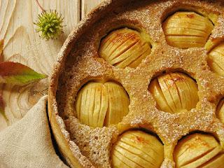 Gâteau campagnard à la pomme et à la frangipane