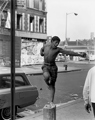 http://kvetchlandia.tumblr.com/post/153550296503/bruce-davidson-east-100th-street-new-york