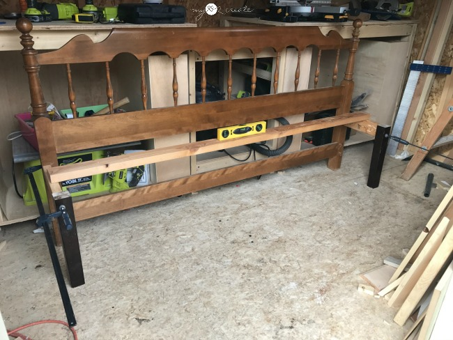 building headboard bench, how to keep things level