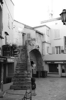 Place aux Herbes Saint-Tropez