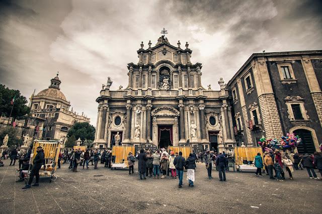 Piazza Duomo-Catania-Le candelore