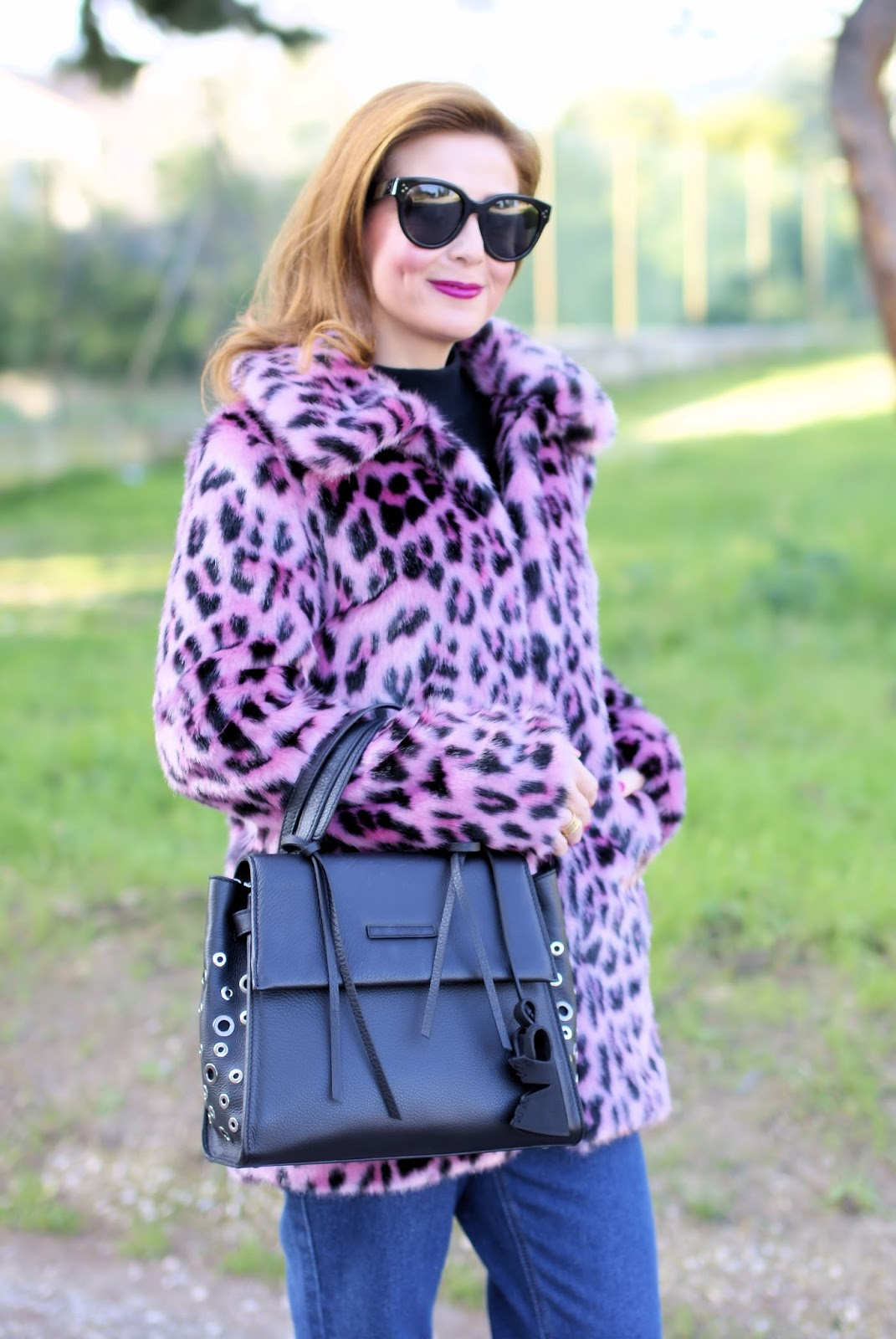 How to wear pink in the Winter: celine audrey sunglasses and malloni bag on Fashion and Cookies fashion blog, fashion blogger style