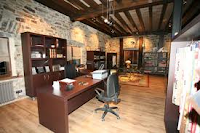 las-vigas-en-el-techo-de-la-oficina-o-escritorio