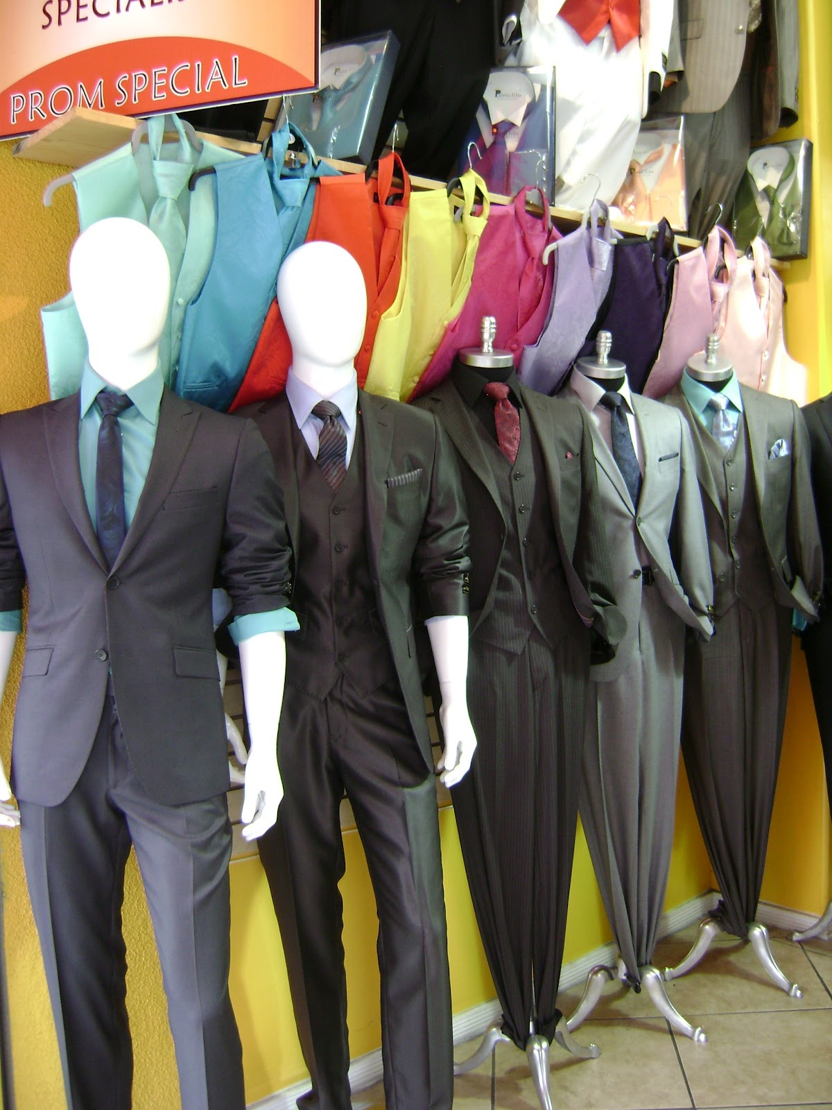 The Santee Alley: How to save money on prom at Santee Alley