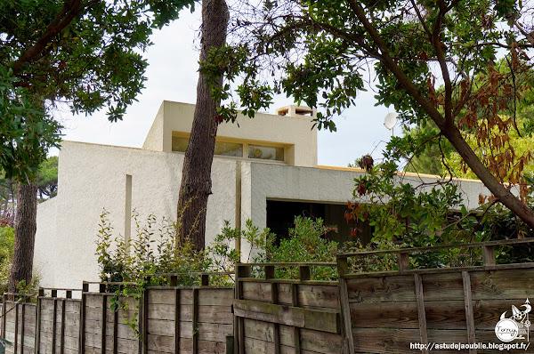 La Vigne - Villa Pinson, rue Piquepoul  Architectes: Adrien Courtois, Pierre Lajus, Yves Salier, Michel Sadirac  Construction: 1964