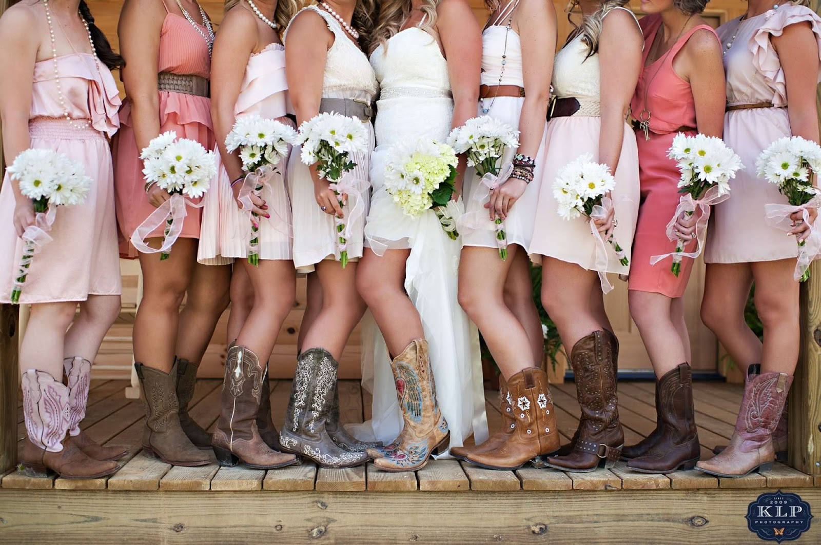 Well-known White Short Wedding Dresses With Cowboy Boots | Fashion Ideas ZA86