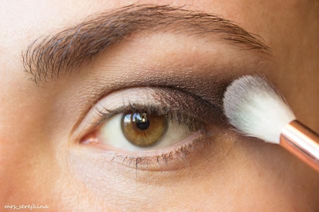 Universal evening make-up: step 6