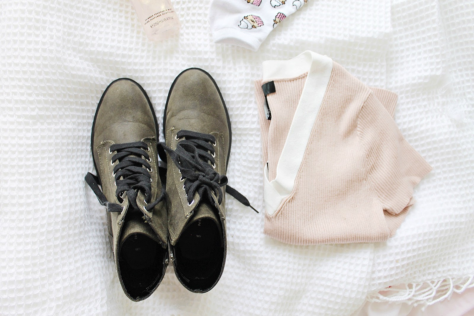 Girly outfit aesthetic, shopping haul