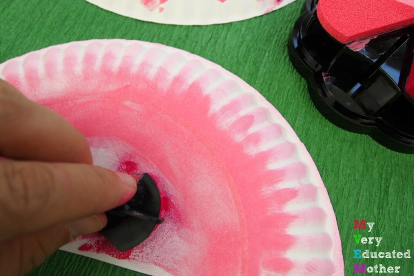 Easy to make Paper Plate Flamingos! Great for a lesson on the birds.