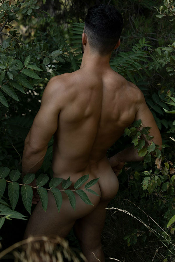 Carlitos Gets Naked by Stas Vokman