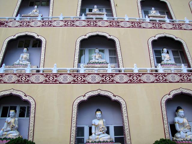 jade buddha temple fo guang shan buddha memorial kaohsiung taiwan