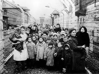 Familias de judíos alemanes, huyendo de la barbarie nazi.