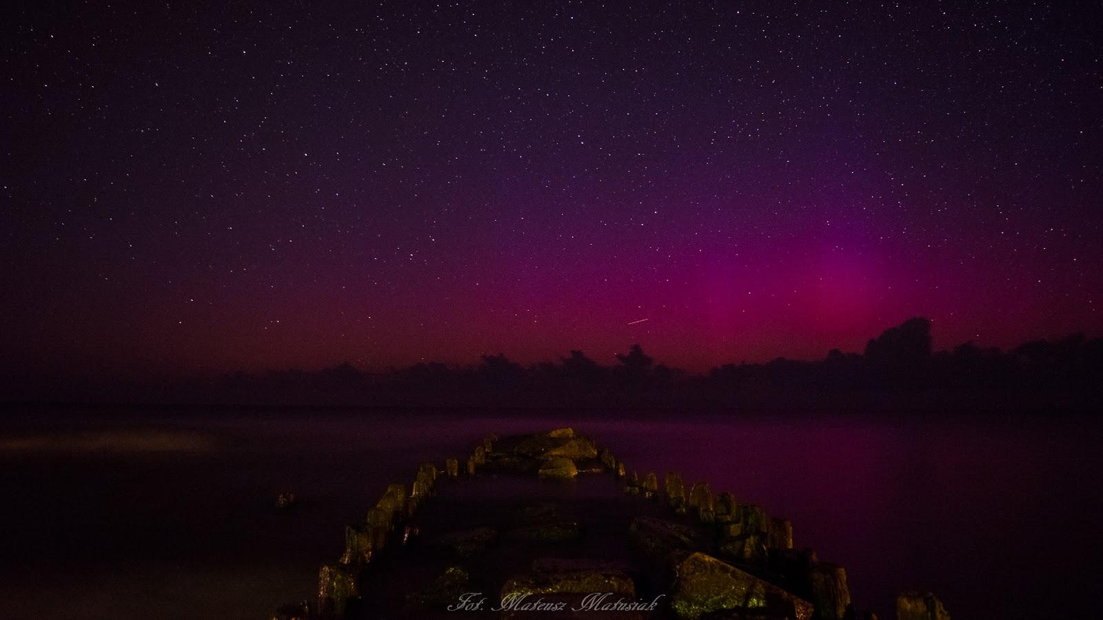 Zorza polarna sfotografowana w noc z 02 na 03.08.2016 r. Dziwnówek, zachodniopomorskie. Autor: Mateusz Matusiak
