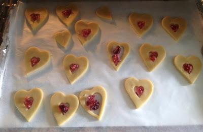Glas-in-lood koekjes in de oven