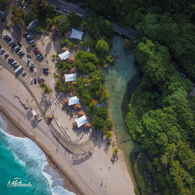laya y río Los Patos, Barahona, República Dominicana.