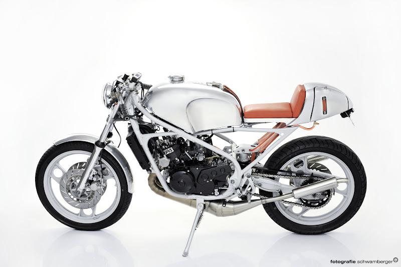 2 stroke biker blog: stunning rz350 build.