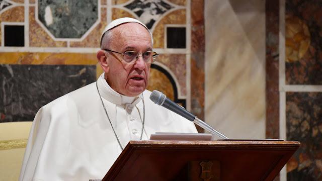 El papa condena el caso de una mujer que abortó para mantener su figura