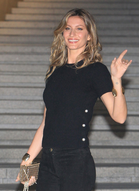 Gisele Bundchen lovely pics