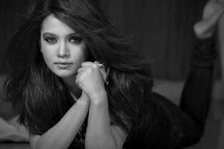 Mila Islam Bangladeshi Singer Sexy