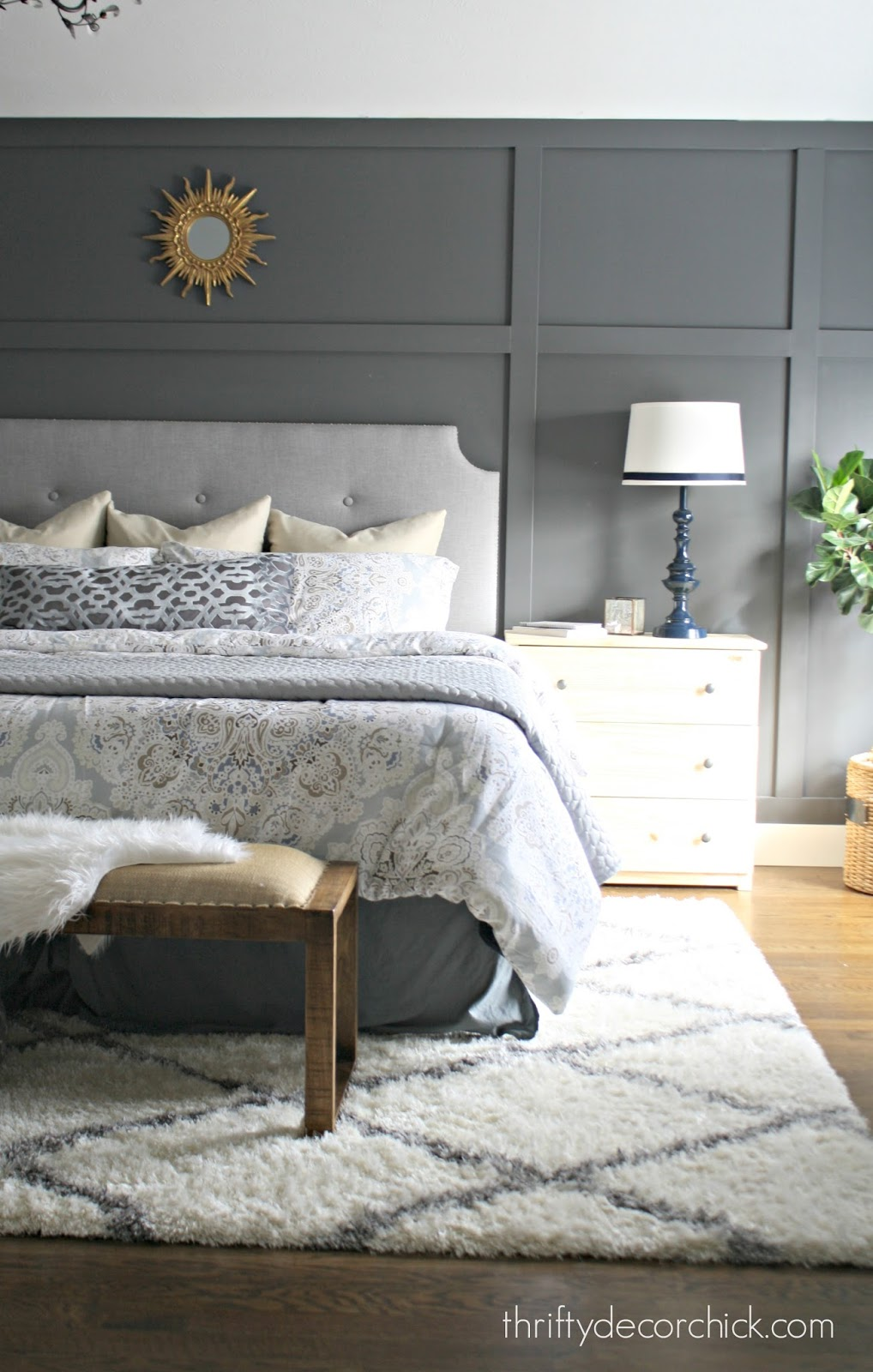 Peppercorn accent gray wall in bedroom