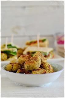 Falafel con garbanzos cocidos- Bocado original de pan de pita relleno de : falafel!!- pan de pita relleno- pan de pita mercadona- pan de pita integral- kebap- pan de pita relleno de pollo- garbanzos- legumbre