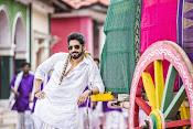 Aatadukundam Ra movie photos gallery-thumbnail-2