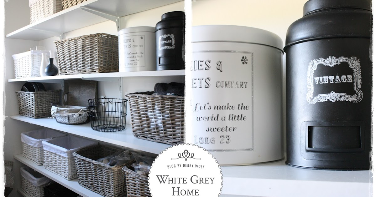 white grey home pantry im landhausstil. Black Bedroom Furniture Sets. Home Design Ideas