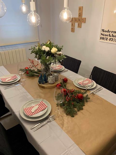 Una mesa de Navidad, cuando el desastre acecha