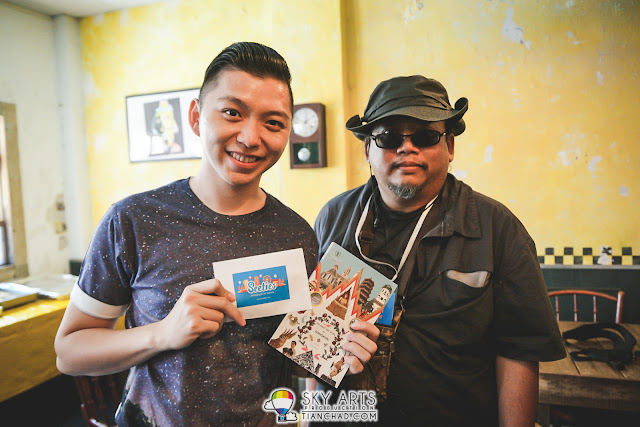 @feelthai - My Thai Blogger partner of the day for the challenge who gave me Bangkok guide book as souvenir. Love it!