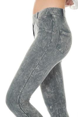 Skinny Jeans Model