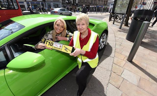 本物のランボルギーニ・タクシー!英国でタクシーライセンスが発行された初のスーパーカー。