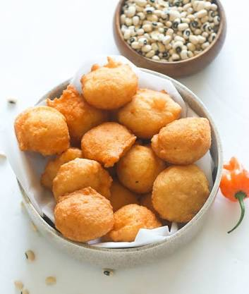 Method on how to prepare akara ( beanscake)
