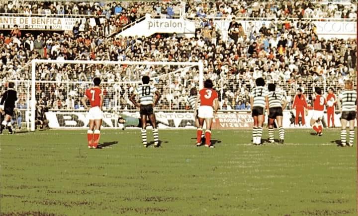 Ontem vi-te no Estádio da Luz  Benfica-Sporting  um jogo que é um ... f87d7b53d6846