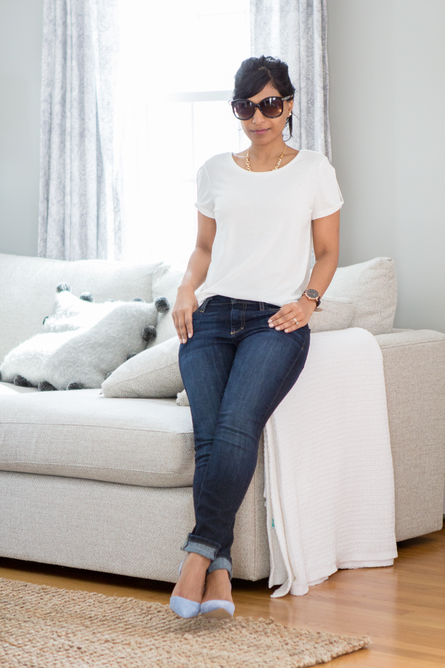 white t-shirt, white top, white blouse, white shirt, white button-down, casual dressing, weekend style, weekend wear, relaxed style, comfortable style, easy chic, mommy style, mom fashion, mom style, petite fashion, closet essentials, spring update, blue jeans, dark rinse jeans, blue pumps, blue suede shoes