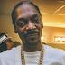 "Com sample de Slick Rick auto-tunado, Snoop Dogg libera single ""M.A.C.A"""