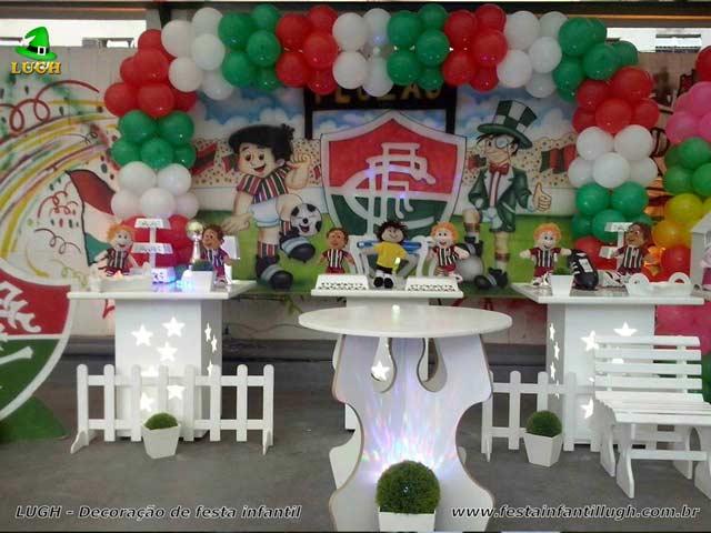 Decoração festa de aniversário tema do Fluminense - Mesa provençal simples