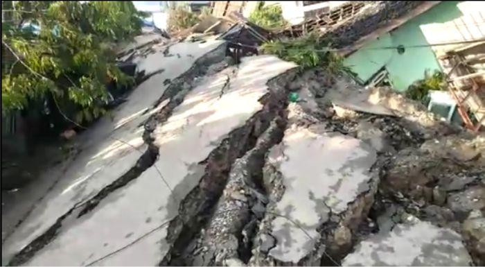 Palu Saat Gempa! Tanah Menggulung, Rumah Berjalan, Bumi Terbelah, Yaa Rabb [VIDEO]