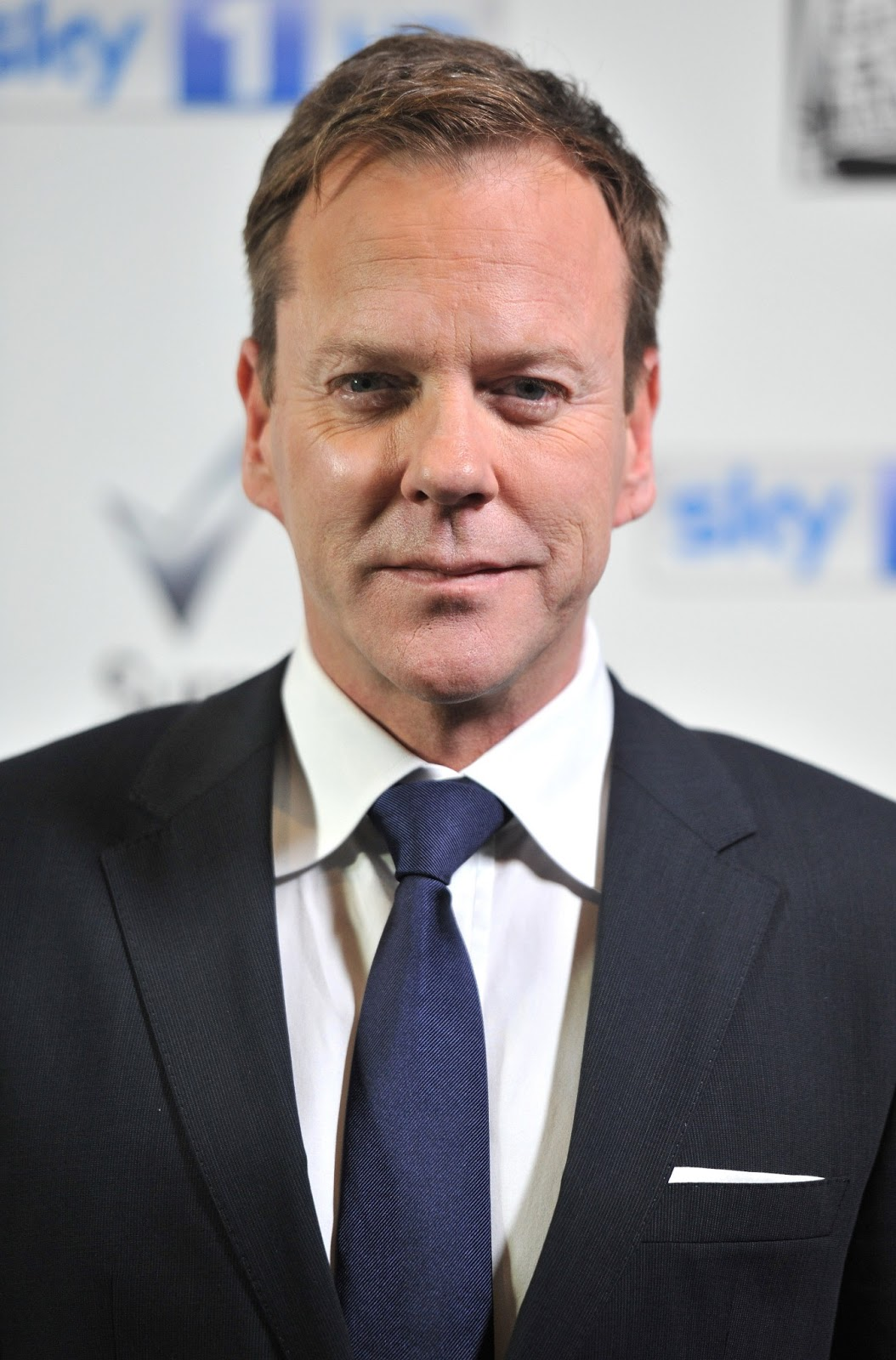Serie Doug Kiefer Sutherland Photos Tv Series Posters And Cast