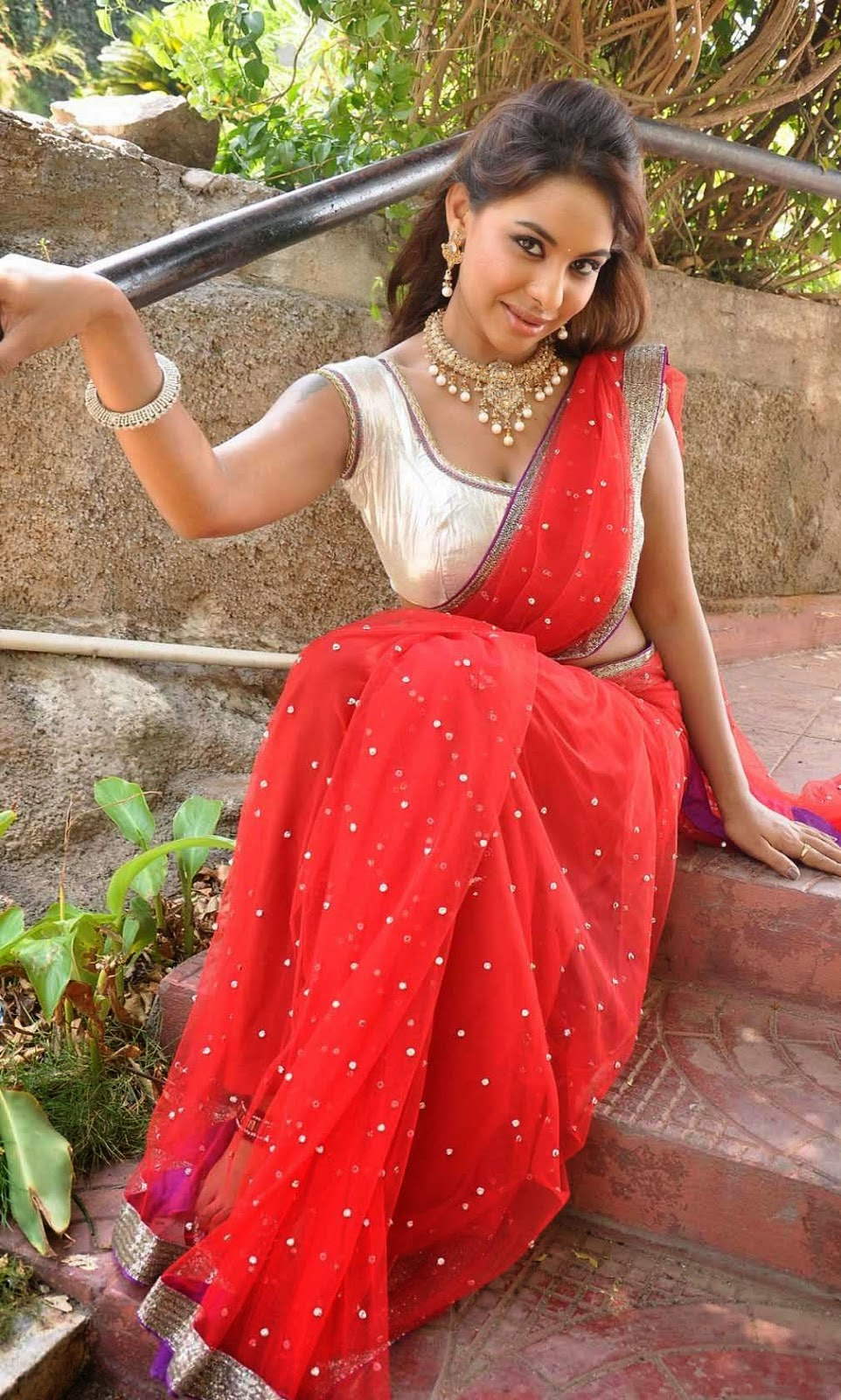 Bollywood Actresses Pictures Photos Images: Mallu Masala ...  Bollywood Actre...