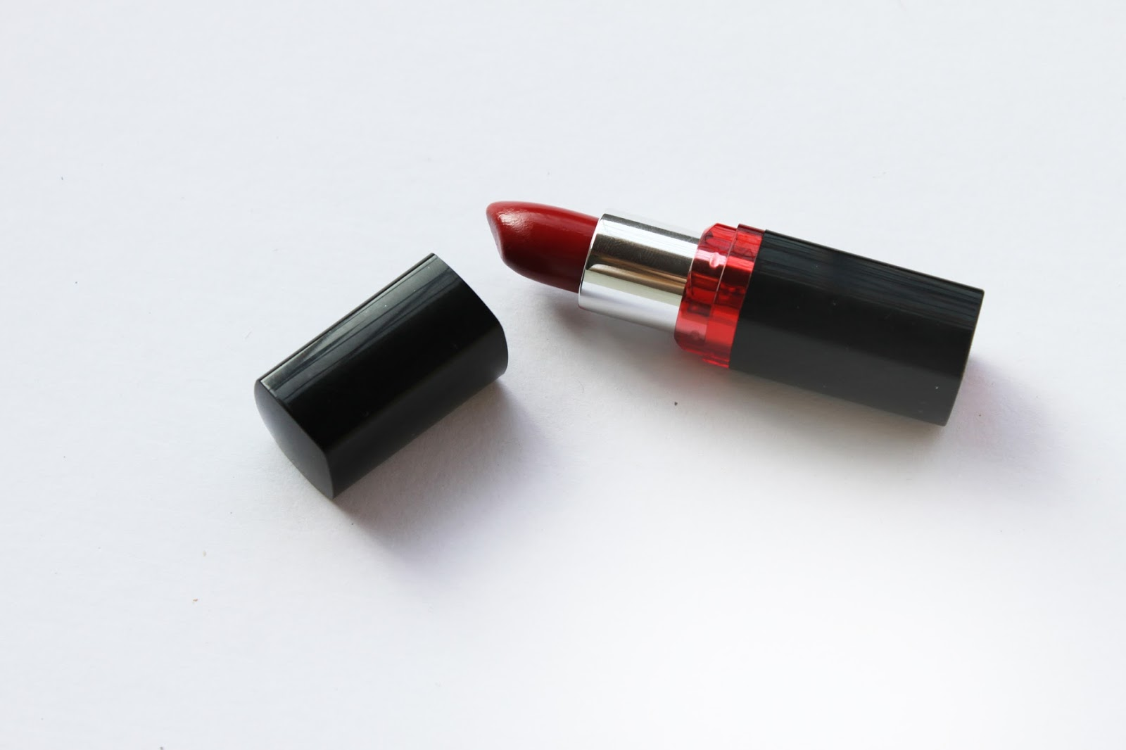 Best Affordable Lipstick Maybelline Color Show Red Review Swatch