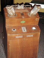 A shoe fluoroscope displayed at the US National Museum of Health and Medicine
