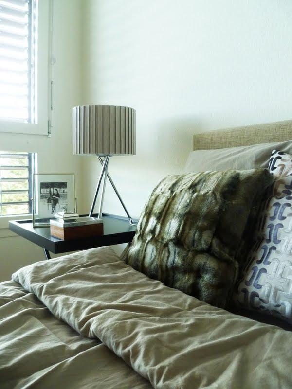 lush interiors monochrom. Black Bedroom Furniture Sets. Home Design Ideas