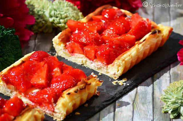 rhabarber cheesecake mit erdbeeren auf bl tterteig schokoladenfee. Black Bedroom Furniture Sets. Home Design Ideas