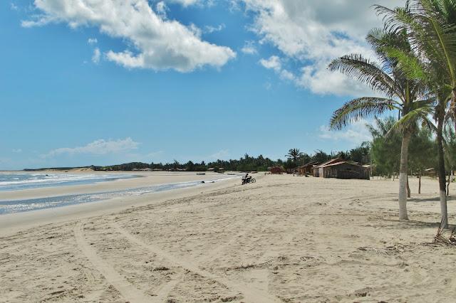 Praia de Maceió, em Camocim, na Rota das Emoções