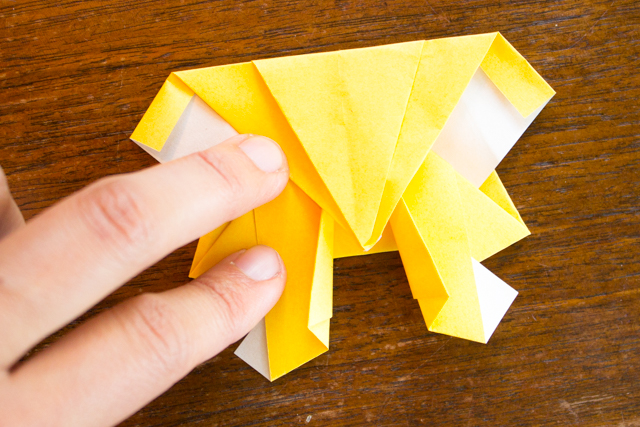 How to Fold Origami Robots- Step-by-step instructions included for this easy craft!
