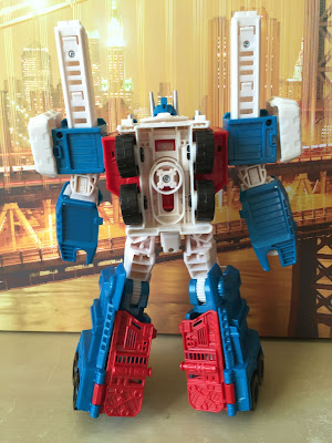 combiner wars ultra magnus back