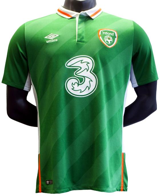 Umbro divulga a nova camisa titular da Irlanda. A Umbro lançou o novo  uniforme titular que a seleção de futebol da Irlanda usará durante ... 0ef3952ce53e0