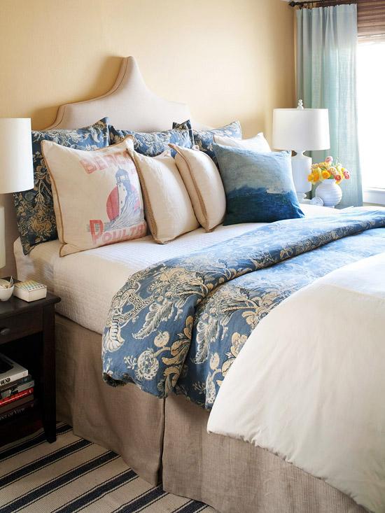 Modern Furniture: Comfortable Bedroom Decorating 2013 ... on Comfy Bedroom Ideas  id=99540