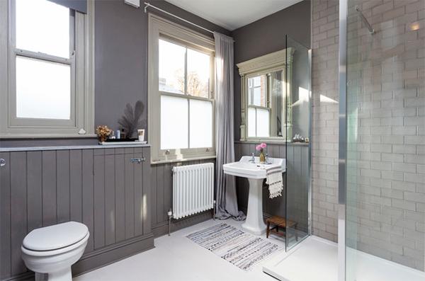 Tư vấn chọn cửa nhựa lõi thép cho phòng tắm