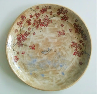 Annapia Sogliani ceramic art gallery showroom assiette céramique fait décoré main poisson fleurs grande piatto ceramica fatto e decorato a mano pesce fiori